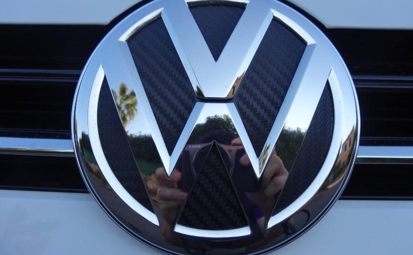 Stickers pour logos Volkswagen sur calandre et coffre